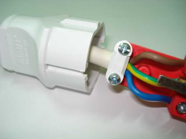 Вилка для провода как сделать